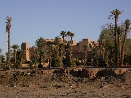 View of the Ksar Oujdid arriving to El Khorbat.