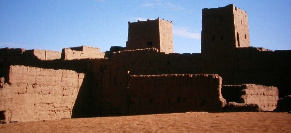 Ksar Talalt into the oasis of Ferkla, south Morocco.