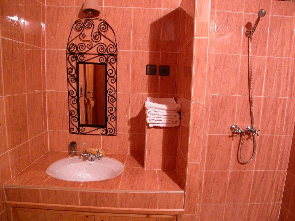 Bathroom of guest house El Khorbat in Todra valley.